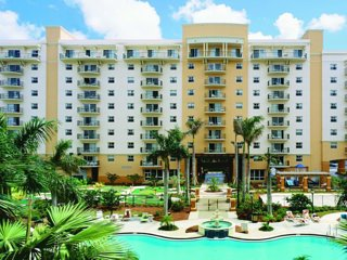 Enjoy Tropical Florida at Palm Aire!