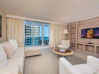 5 Star Condo Hotel 2/2.5 Beachfront Unit - 915
