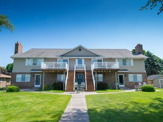 Waterfront Condo on Portage Lake - Unit #4