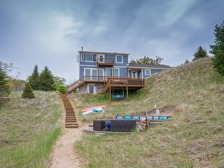 Custom Lake Michigan Beachfront Vacation Home