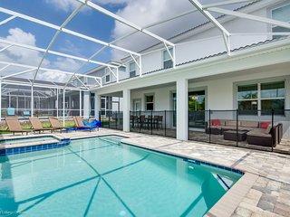 H1672Brand new Amazing 8 Bedroom 5 Bathroom resort - Villa