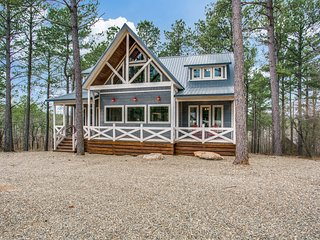 ★ SeaEsta in the Pines★Lux Cabin w/4 Master Suites