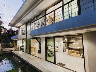 Luxury 4 Bedroom Villa (Baan Rim Nam)