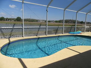 Heatherlake Villa-Free Solar Pool Heating, Lake View, WiFi, Disney Orlando