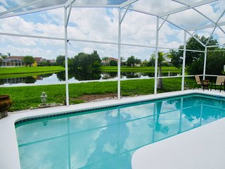 Tropical Paradise-Lake view, SF Pool, 4 bed/3 bath, WiFi, Games Room - Disney