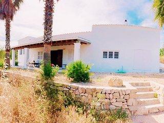 Can Jordi. Casa de campo luminosa y rodeada de naturaleza.