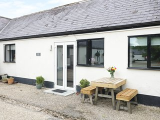 LINNEY, open-plan, communal BBQ, near Shaftesbury