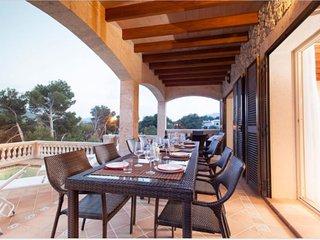 106137 - Villa in Cala Mesquida