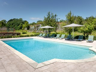 D'DAY NORMANDY LUXURY RENTAL CHATEAU.POOL & TENNIS