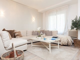 Beautiful 2-bedroom apartment with balcony, in the city center