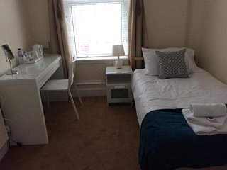 Sea Breeze Guest Home Eastbourne - Room 4