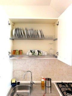 Dettaglio degli utensili per mangiare (piatti/bicchieri/tazze/tazzine)