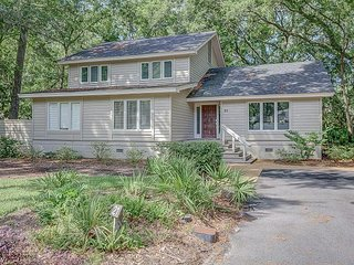 21 Forest Drive - beautiful 5 Bedroom home in Sea Pines Plantation