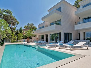 Villa Dolce Vita Selca – High end pool villa with private beach, Brac island