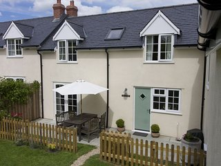 Rose Cottage, Pole Rue Farm, edge of pretty village of Combe St Nicholas