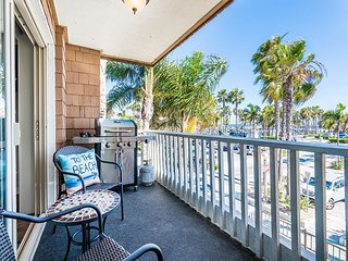 Beautiful Remodeled Condo in the Heart of the Balboa Village