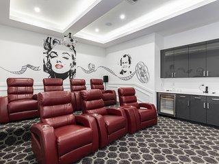 W322- 7 Bedroom Reunion Luxury Villa