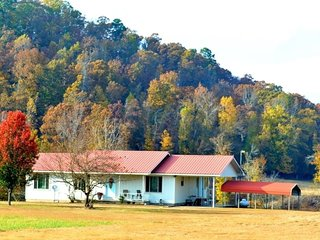 Karen's Country Cottage on Kates Creek, LLC