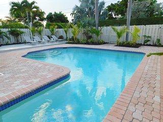 Modern Monroe 4/2 for 11 Heated Pool