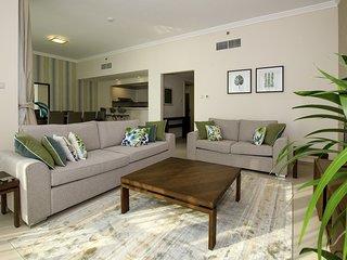 Unique 3 Bedroom apartment, Direct beach access!!!