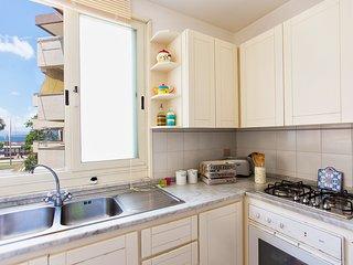 Casa Dony, ampio e luminoso appartamento a due passi dal mare di Alghero.