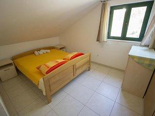 One bedroom apartment Rapak, Hvar (A-12779-d)