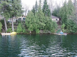 Muskoka 2 Cottages (Lakeview and Sundance) on Beautiful Clear Lake