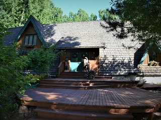 7,000 sq ft Cabin With Private Lake incl Zip Line on 36 Private Acres, SE Idaho