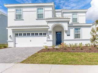 9052SD  Amazing Champions Gate 8 Bedroom 5 Bath