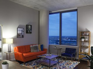 Large, 2 Bedroom Penthouse in University City