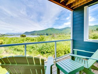 Nice, quiet home on the water w/ a private hot tub - close to the beach