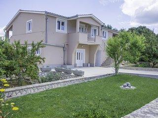 Ugrinici Apartment Sleeps 4 with Pool Air Con and WiFi - 5472253