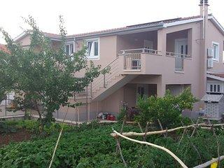 Ugrinici Apartment Sleeps 4 with Pool Air Con and WiFi - 5472257