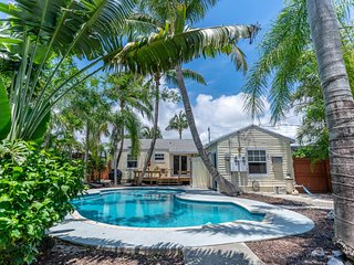 SandyFeet Beach Retreat w/ Pool in D'townDelray Beach