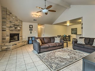 Cute San Antonio Home - 8 Miles to Lackland Base!