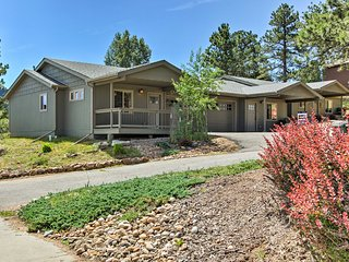 NEW! Cozy Estes Park Condo - 5 Mins to Town!