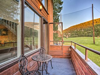NEW Eagle Vail Townhome w/Pool, View+10 Min to Ski