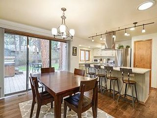 Modern and Charming Home in Quiet NW Bend Neighborhood