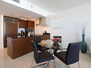 Top Floor 1BR in Icon Brickell by FlashStay