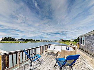 Brand-New 3BR on River w/ Huge Waterfront Deck, Sunset Views & Private Dock