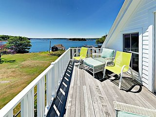 Maine Waterfront Cottage With Deep Water Dock!