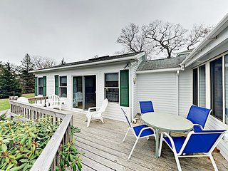 3BR Cottage on Mill Pond w/ Kayaks, Organic Garden & Boat Launch Access