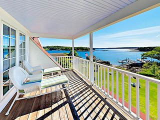 Waterfront 'Morning Star Cottage' – Sweet 3BR w/ Private Cove, Kayaks & Dock