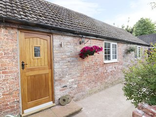 MILLSTONE COTTAGE, luxury accommodation, Leven