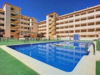 3rd floor apartment, free wifi, satellite tv, balcony, communal pool