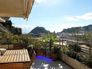 Bonito Apartamento con Gran terraza cerca de la playa