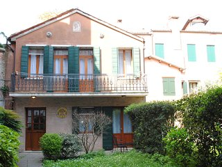 2 bedroom Apartment in Caerano di San Marco, Veneto, Italy : ref 5248500