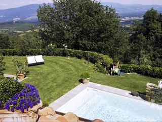 3 bedroom Villa in San Donato in Collina, Tuscany, Italy : ref 5247616