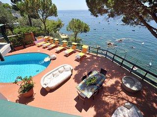 7 bedroom Villa in Marina del Cantone, Campania, Italy : ref 5248209