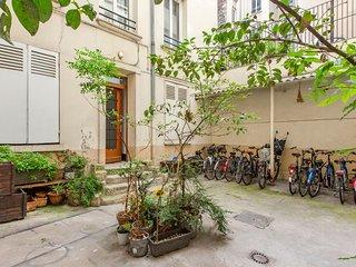 2-Room Spacious Flat near Sacre-Coeur in Paris / 2 pieces proche Sacre-Coeur